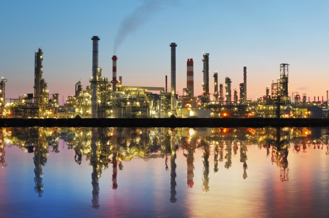 bigstock Oil And Gas Refinery At Twilig 49819467