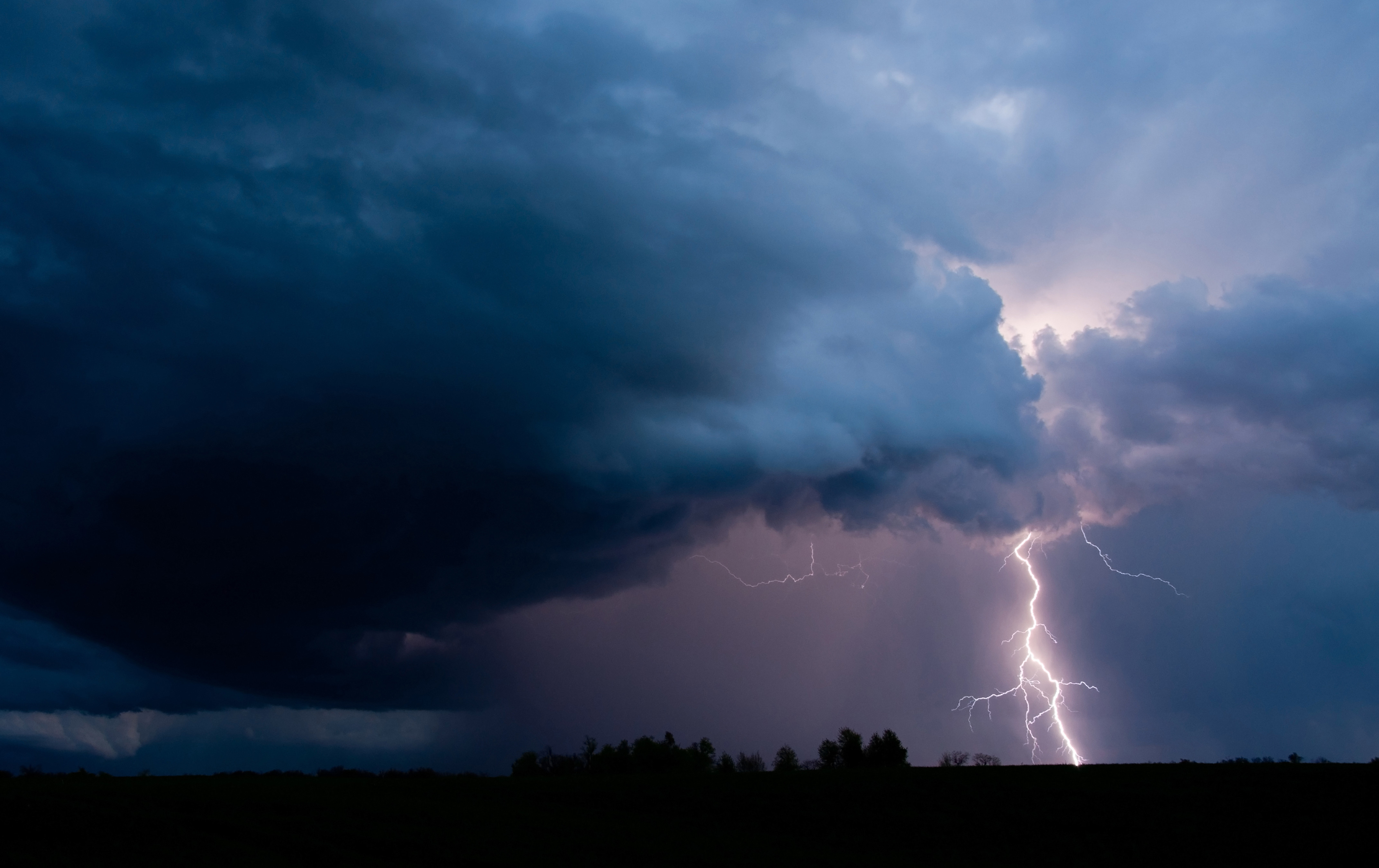 An Expert Meteorologist Answers Your Thunderstorm